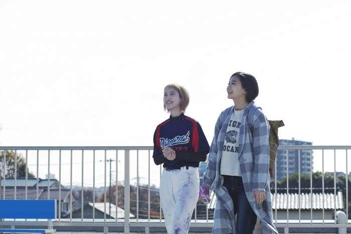 """清水富美加&松井玲奈が""""漫才コンビ""""結成!「苦手なシーンもたくさんだった」"""