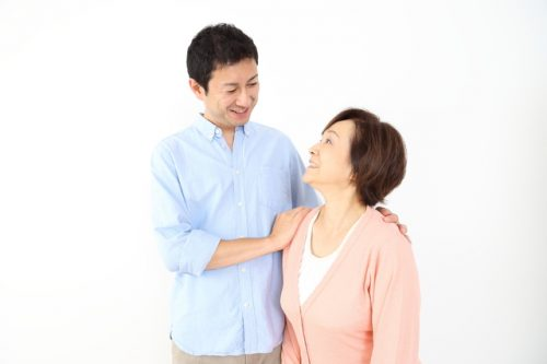 2017年「マザコン」が死語に…息子が彼氏代わり、母と息子の関係が変わる