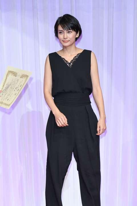 今週のファッションチェック:仲間由紀恵、小松菜奈、柴咲コウ、西内まりや、高垣麗子他