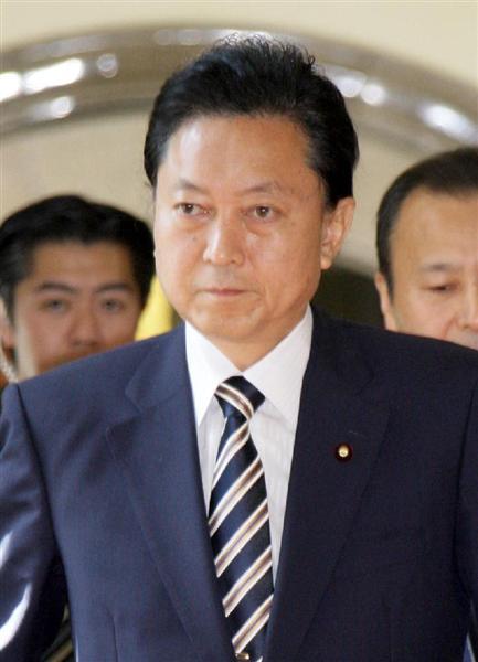 ひざまづいて謝罪 韓国で鳩山由紀夫元首相