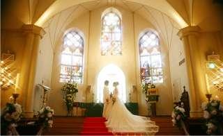 家族で招待された結婚式に子供を連れて行きますか?