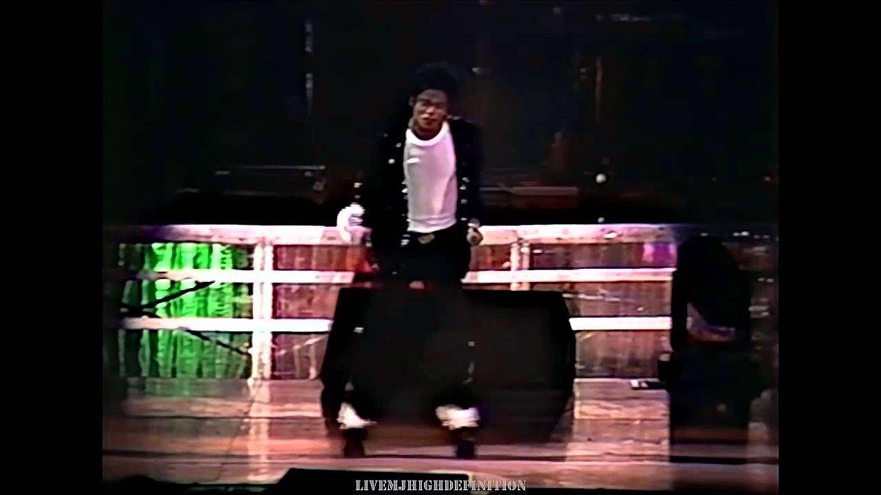 Michael Jackson - Billie Jean - Live Wembley 1988 - HD - YouTube
