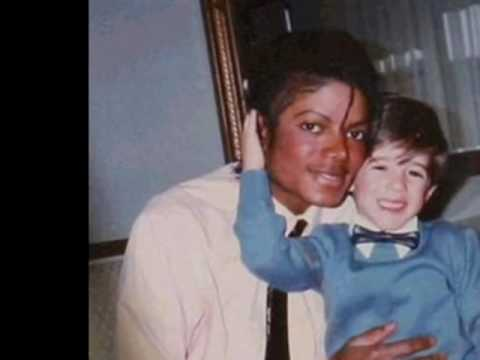 Michael Jackson and Vitiligo - YouTube