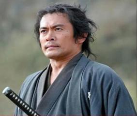 崖っぷち福山雅治 窮余の策は人気ドラマ「ガリレオ」復活