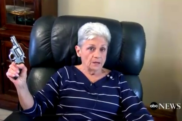 さすがテキサス!74歳のお婆さんが拳銃で強盗を撃退 – しらべぇ   気になるアレを大調査ニュース!