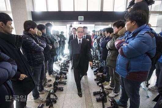 まとめたニュース : 百田尚樹「韓国とこんな合意書を交わしても破棄してきますよ?」安倍総理「韓国は破棄できませんよ」