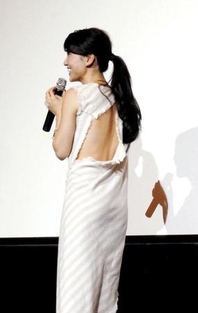 ドレス姿の芸能人の画像を貼るトピ