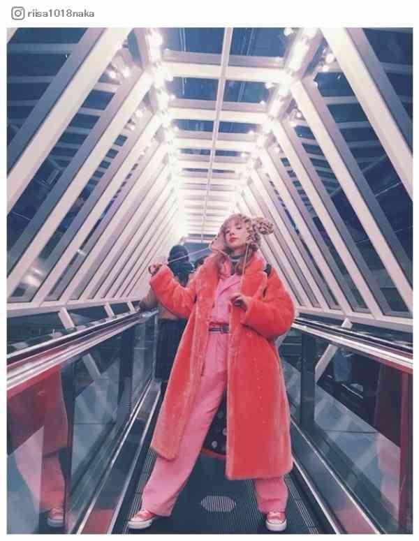 仲里依紗「ピンクの極み」ド派手なディズニーコーデが話題「似合いすぎ」「遭遇したい」 - モデルプレス