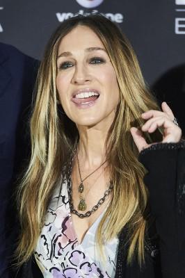 第74回GG賞に現れたサラ・ジェシカ・パーカーの顔が怖すぎる! | ニュースウォーカー