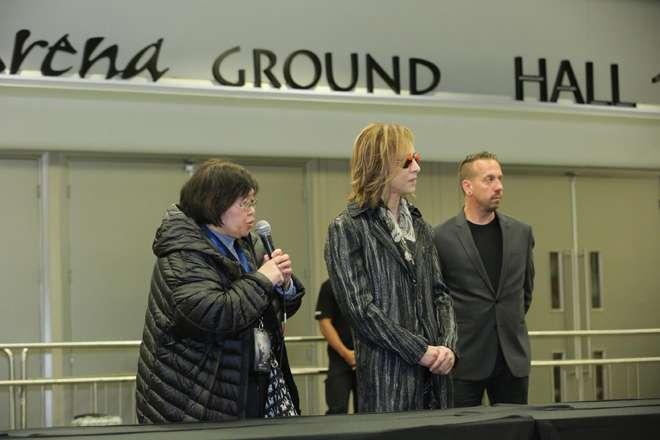 X JAPAN YOSHIKI、香港コンサート中止に対し、無料ライブを決行