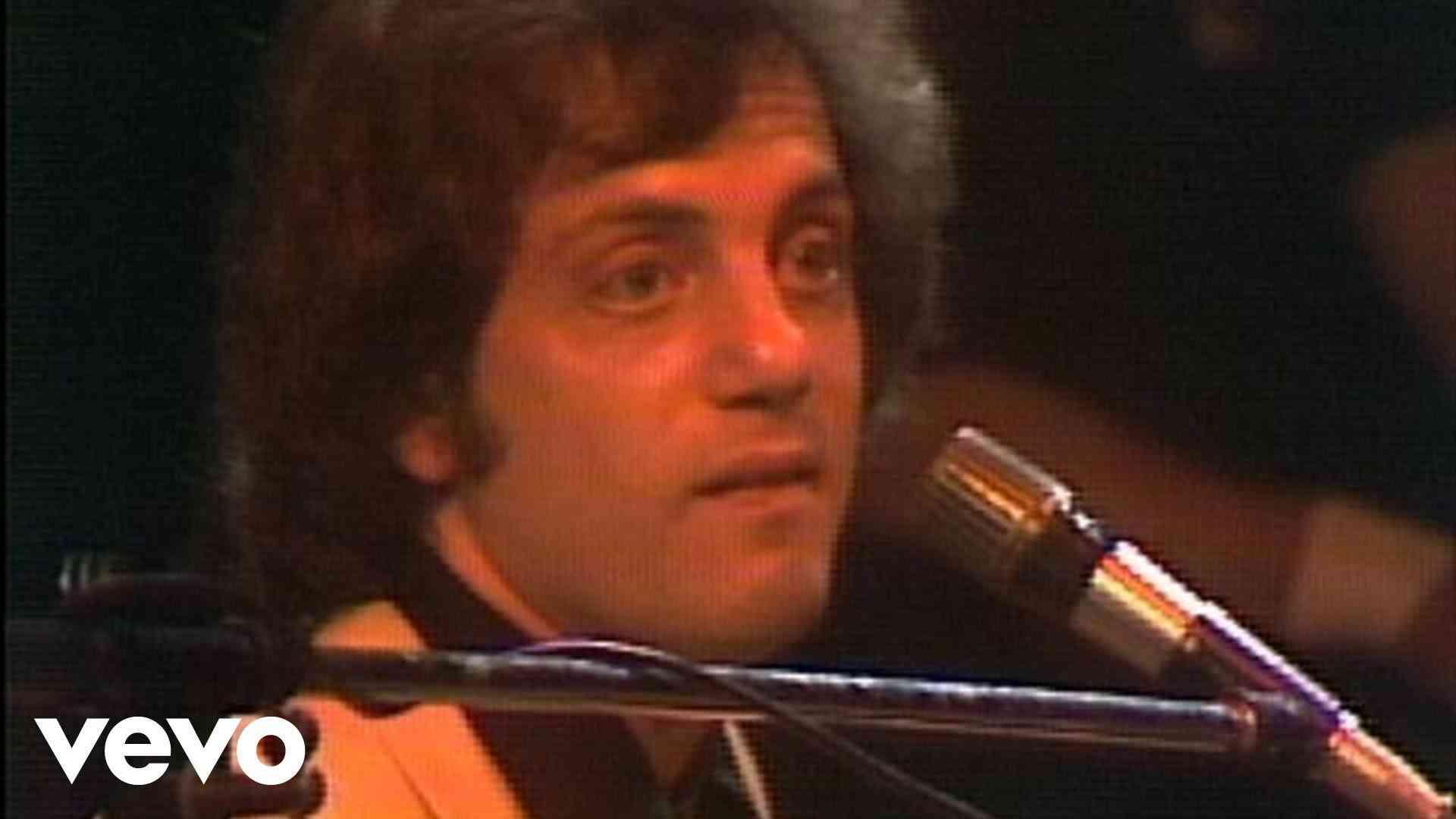 Billy Joel - The Stranger (Live 1977) - YouTube