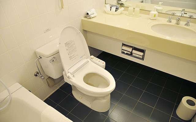 「日本のトイレはボタン多すぎ」 嘆く外国人のためデザインを統一へ (2017年1月20日掲載) - ライブドアニュース