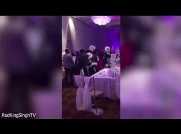 元恋人の披露宴に乱入 花嫁のヌード写真を配った男(カナダ)