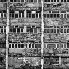 【戦慄のルポ】いま全国の「限界マンション」で起きていること 建物と住民の老化でスラム化