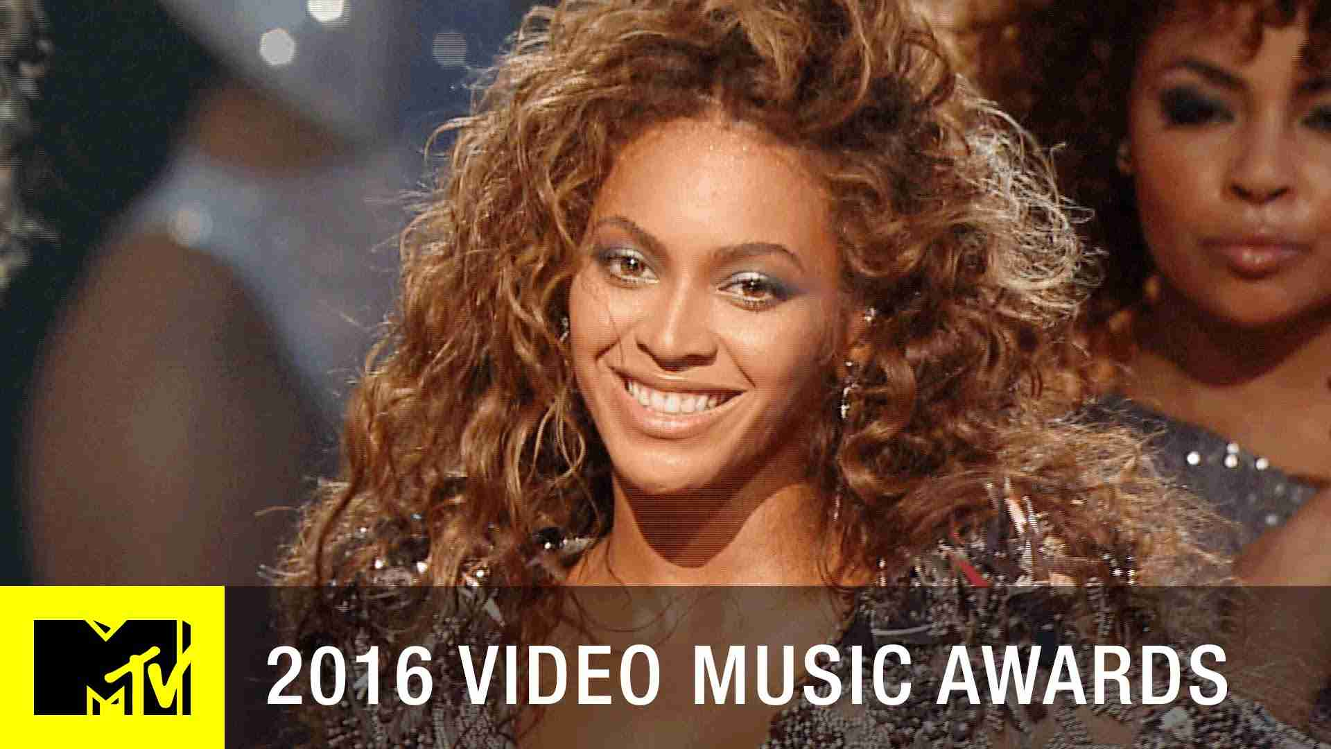 Beyoncé 'Single Ladies' 2009 VMA Performance | MTV - YouTube