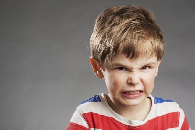"""ママの「スマホ」がプチ虐待に!? 3歳までの""""悪影響""""を与えない方法(1/3) - ハピママ*"""