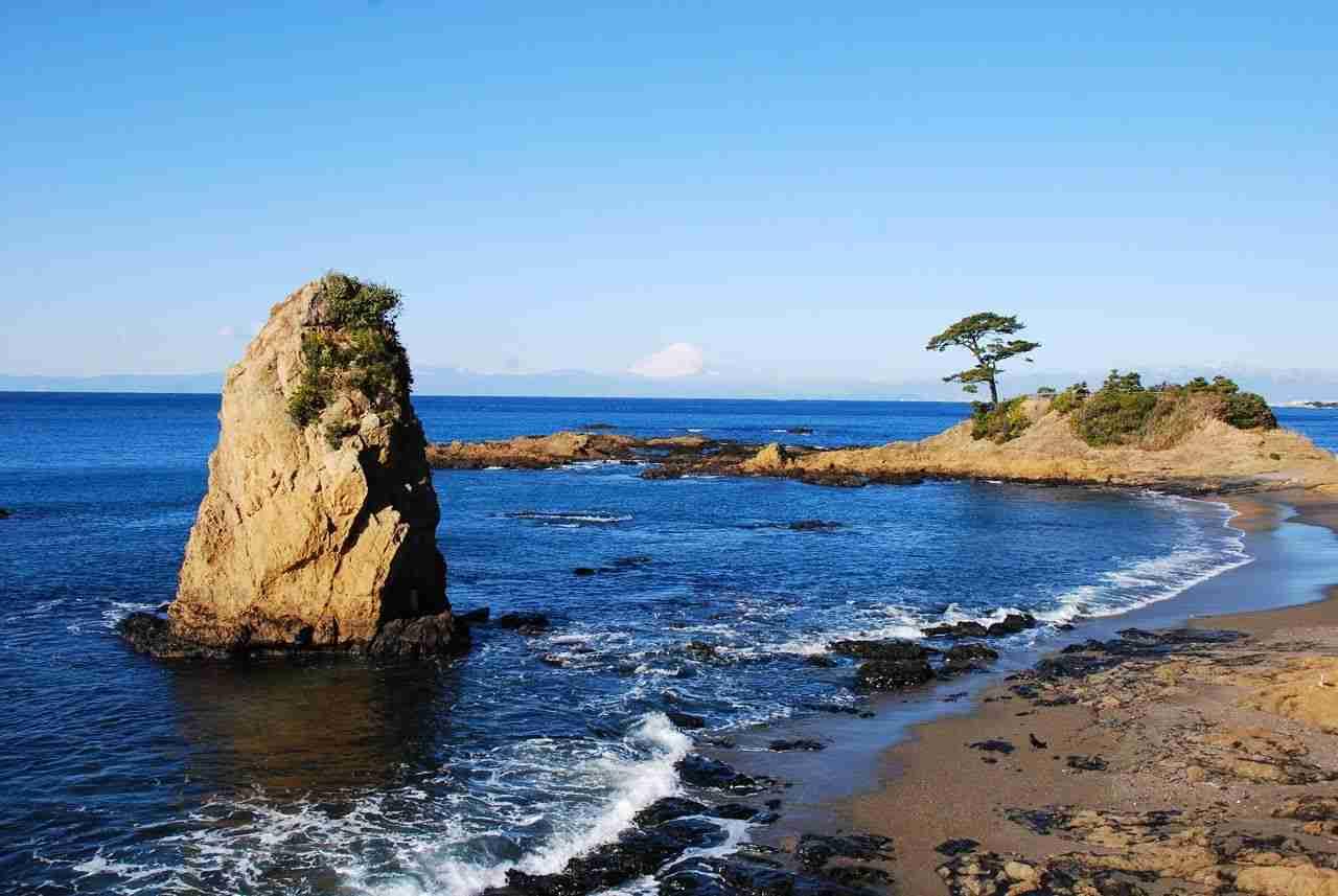 秋谷・立石海岸|観光スポット|横須賀市観光情報サイト「ここはヨコスカ」