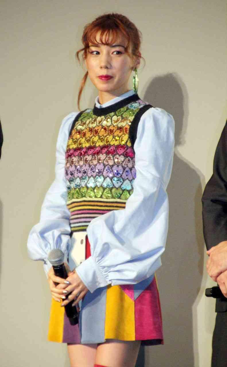 仲里依紗、小雪主演『大貧乏』1話にゲスト出演「存在感のある役に」