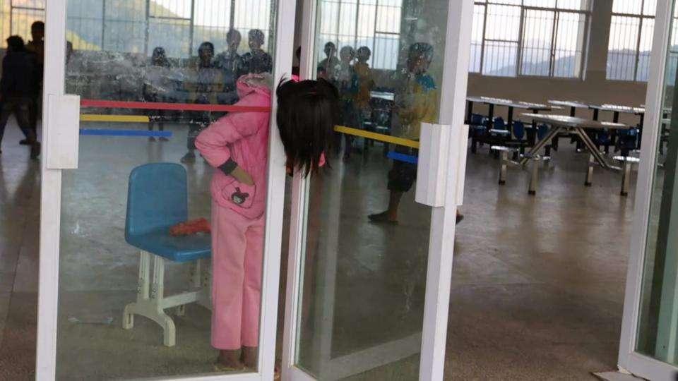 中国で女子中学生がドアに首を挟むというとんでもないいじめ 学校「加害者に処分は無し」 | ゴゴ通信