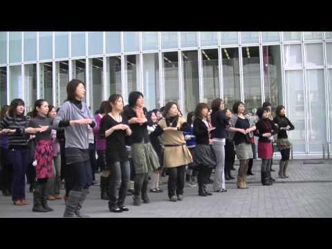 TVCM「うわさのリボンブラ」京都ワコール本社編メイキング:ワコールLALAN - YouTube