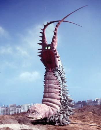 水原希子「おかしくない?」ツインテール批判に反論