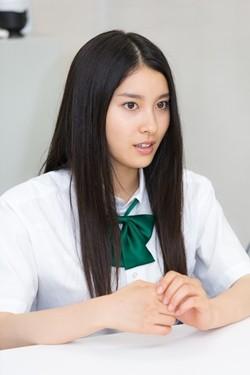 【苦悩】土屋太鳳さんと広瀬アリスさんの見分けが全然つかない!ネット上でも困惑する人続出
