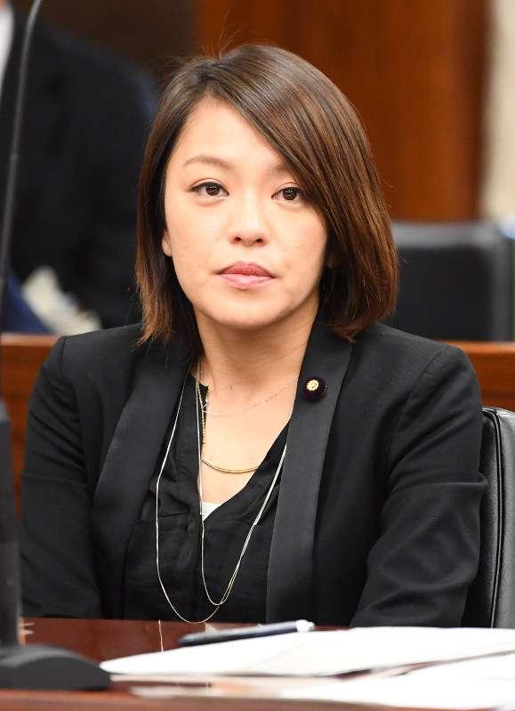 参院議員資産公開:歌手の今井絵理子氏、預金6800万円 - 毎日新聞