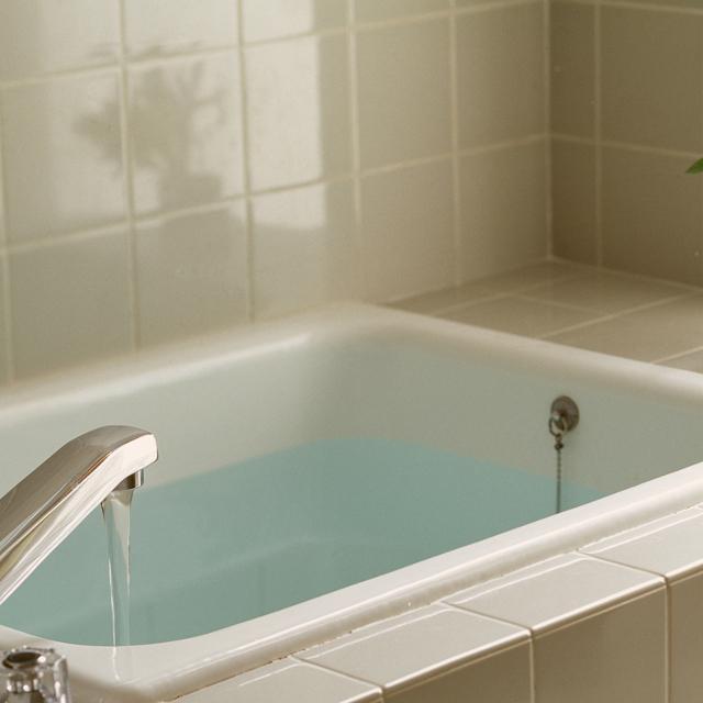 湯船のお湯はどれぐらいで交換すべき?専門家に聞いた - ウォッチ | 教えて!goo