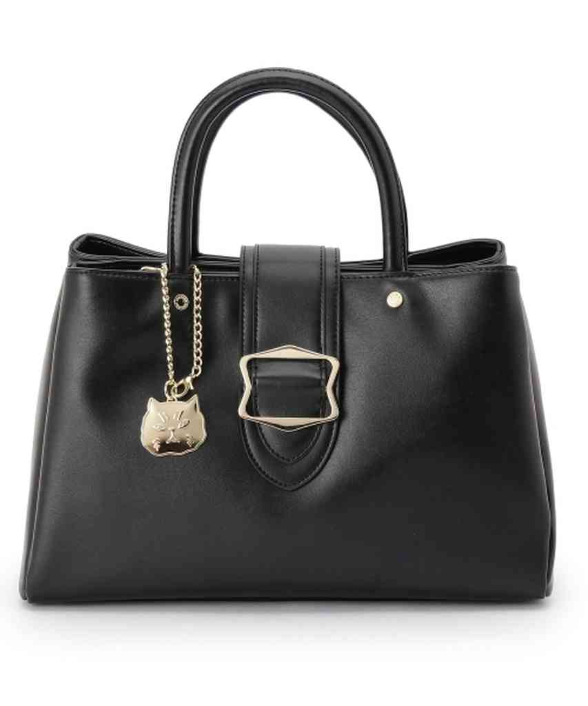 持っているバッグ見せてください