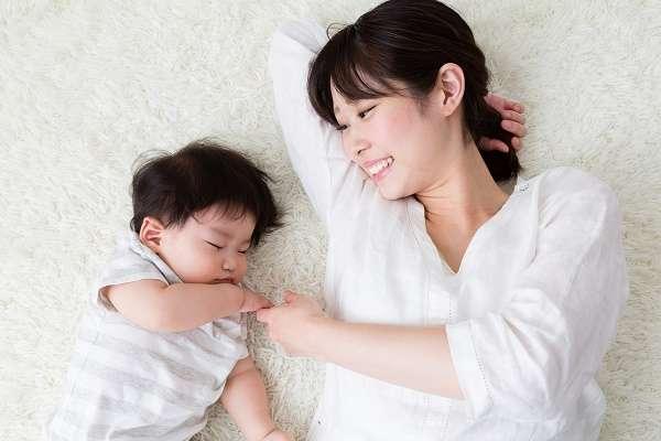 【全国初】鳥取が「在宅育児」に月3万円支給へ!保育所を利用しない世帯も経済的支援