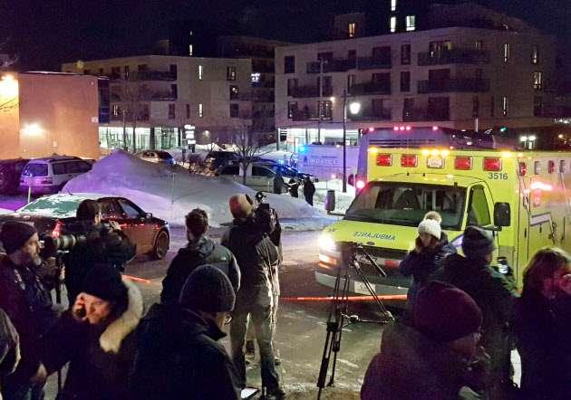 カナダ・ケベックのモスクで銃撃、5人死亡 (写真=ロイター) :日本経済新聞