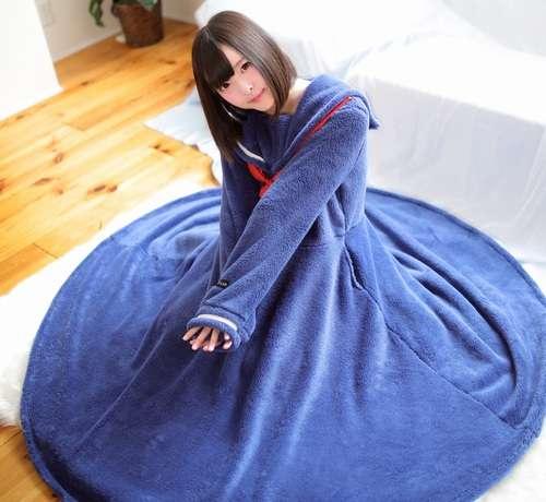 """セーラー服型パジャマに""""着る毛布""""タイプが登場"""