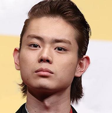オールバックの菅田将暉がかっこいい