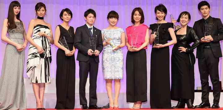 日本ジュエリーベストドレッサー賞:柴咲コウ、西内まりや、石田ゆり子らが受賞 - MANTANWEB(まんたんウェブ)