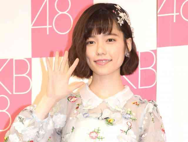 AKB48の島崎遥香がグループを卒業「バイバイ、AKB48!」 (2017年1月1日掲載) - ライブドアニュース