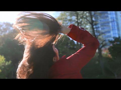 """平野ノラ、おったまげるほど""""イイ女""""に変身!? 資生堂・TSUBAKIウェブムービー「振り向きたくなる彼女」編 - YouTube"""