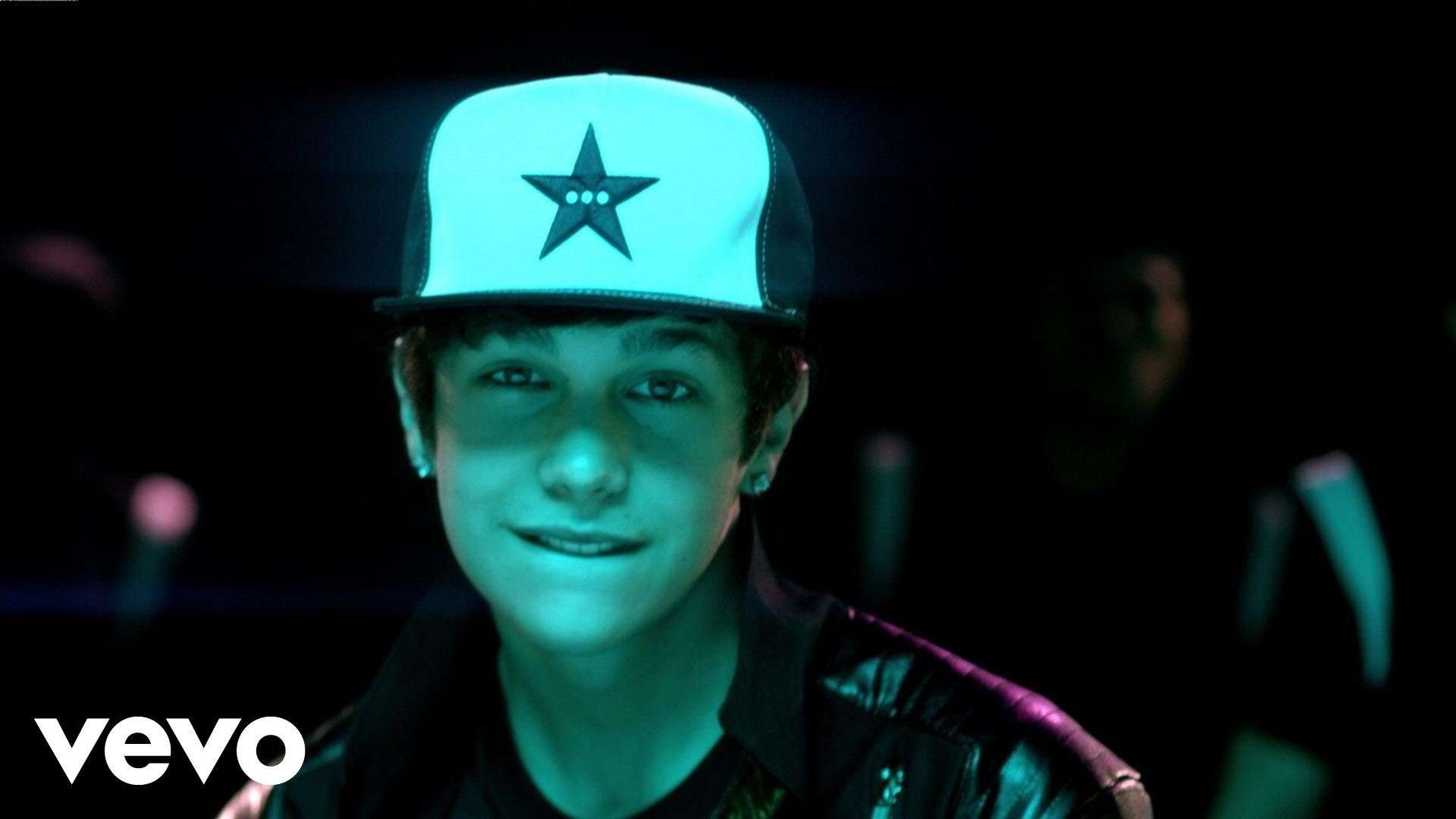 Austin Mahone ft. Flo Rida - Say You're Just A Friend (Official Video) - YouTube