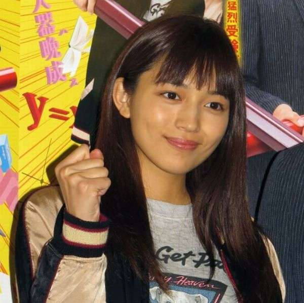 ガツガツしすぎ? 川口春奈の豪快な食べ方に視聴者が仰天 | 日刊ゲンダイDIGITAL