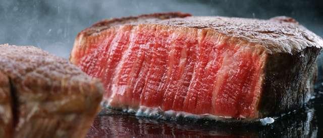 老舗すき焼き店が「もう霜降り肉は出しません」!