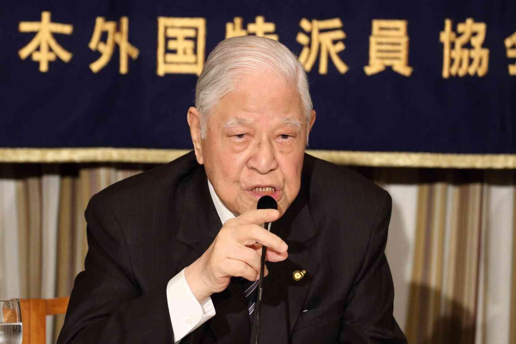 李登輝氏が特派員協会で講演 安保法制は「世界平和に貢献」 尖閣諸島は「日本のもの」 - YouTube