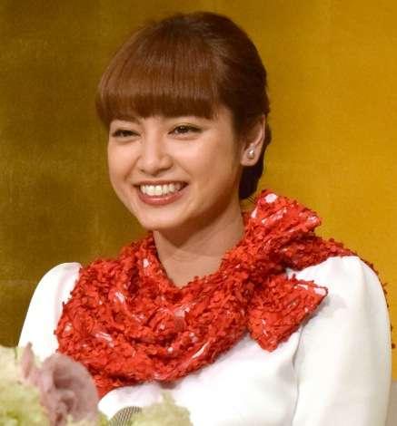 平愛梨、結婚前最後のテレビ収録 サプライズに号泣