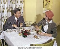 食事中の帽子について