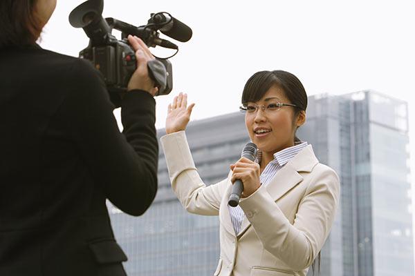 現役女子アナが爆弾発言「女子アナもテレビ局では枕営業」   Smart FLASH[光文社週刊誌]スマフラ/スマートフラッシュ