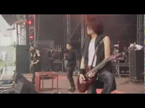 Dir En Grey - Obscure Live At Download 2013 [PROSHOT] - YouTube