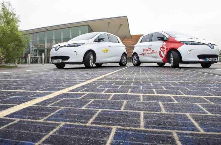 大規模な工事は必要なし。世界初、太陽光発電できる道路「Wattway」がフランスで開通! | greenz.jp | ほしい未来は、つくろう。