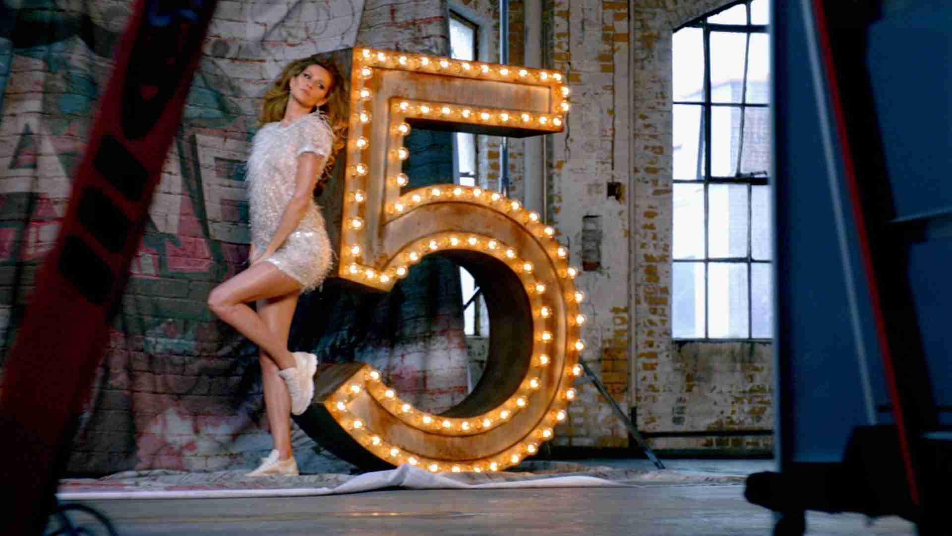 CHANEL N°5: The One That I Want - The Film - YouTube