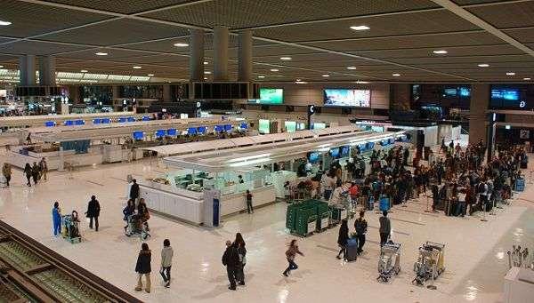 成田空港の保安検査員が大量離職した背景がネット上で話題に :