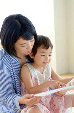 子どもに「絵本」はなぜ必要?読んでほしがる本当の理由