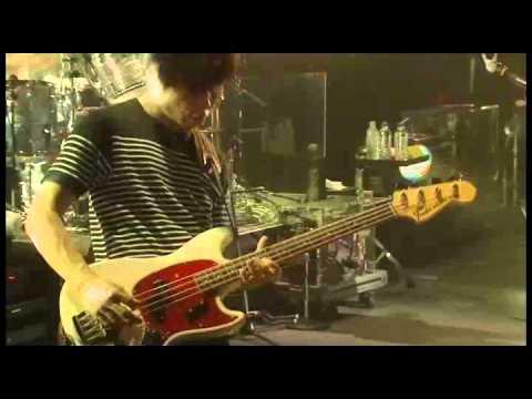 スピッツ - 「ビギナー」(「とげまる20102011」より) - YouTube