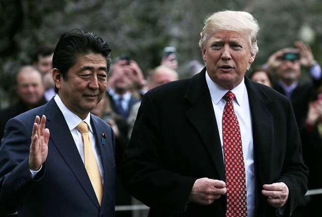 フジテレビ 撮影NGのトランプ大統領と安倍首相のゴルフ外交を放送 - ライブドアニュース